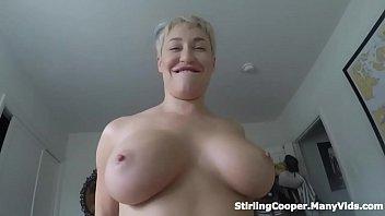 На веб камеру молодая поимела сама себя пенисом